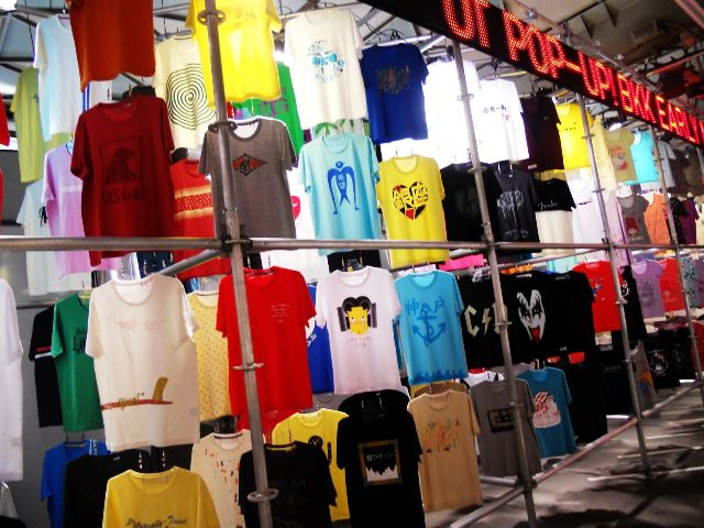 UNIQLO to launch new concept UT Pop-Up T-Shirt Shops via Smart Phone App