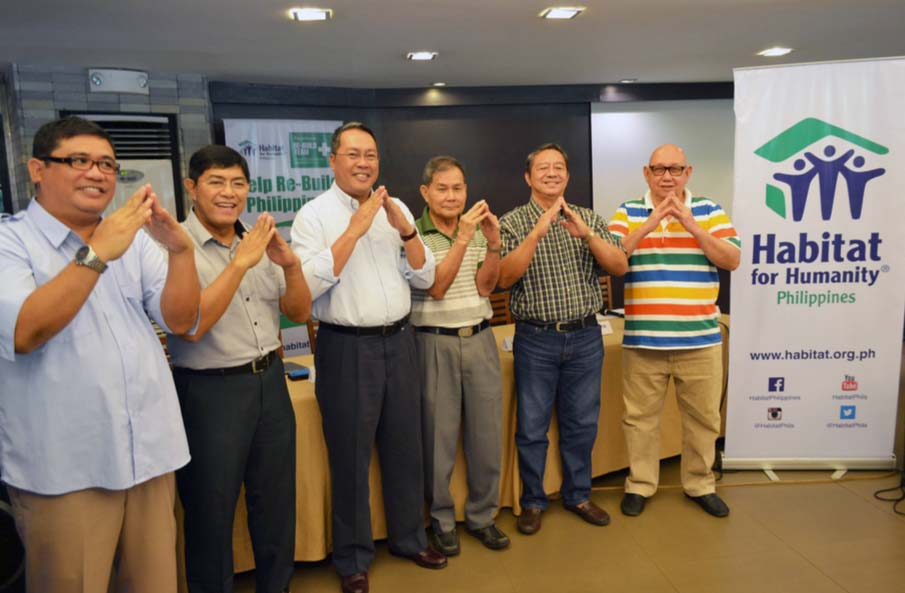 Doing Habitat Philippines re-build pose are (L-R) Aris Jim Jimboy Sarmiento, Event Coordinator; Ret. Lt. Gen. Calos Holganza, Deputy COO for Disaster Response, Habitat; Charlito S. Ayco, CEO & Managing Director, Habitat; Ret. Gen. Leo Olegario, AFP, President, Tapok-Tapok Bol-Anon, Inc.; Manuel Omictin, Board of Director, Tapok-Tapok Bol-Anon, Inc.; and Mayor Manuel Molina, Vice President, Tapok-Tapok Bol-Anon, Inc.