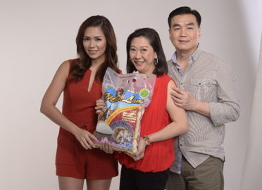 -Ms. Danica Sotto-Pingris with Mrs. Lam herself, Evelyn Lam, and Mr. Victor Lam.