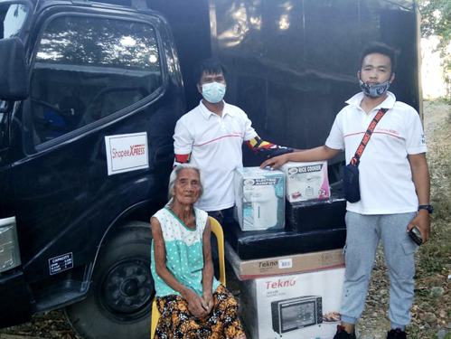 Shopee helps elderly woman who accidentally burned her life savings